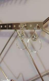 只有一對! 韓款氣質耳環(水滴) $20包平郵