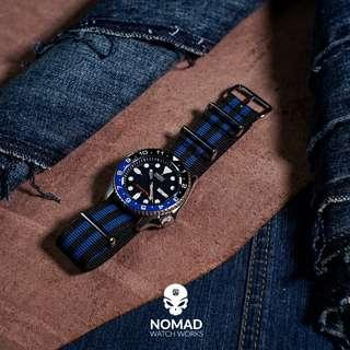 🚚 Premium Nato Strap in Black Blue Small Stripes (available in 20 and 22mm)