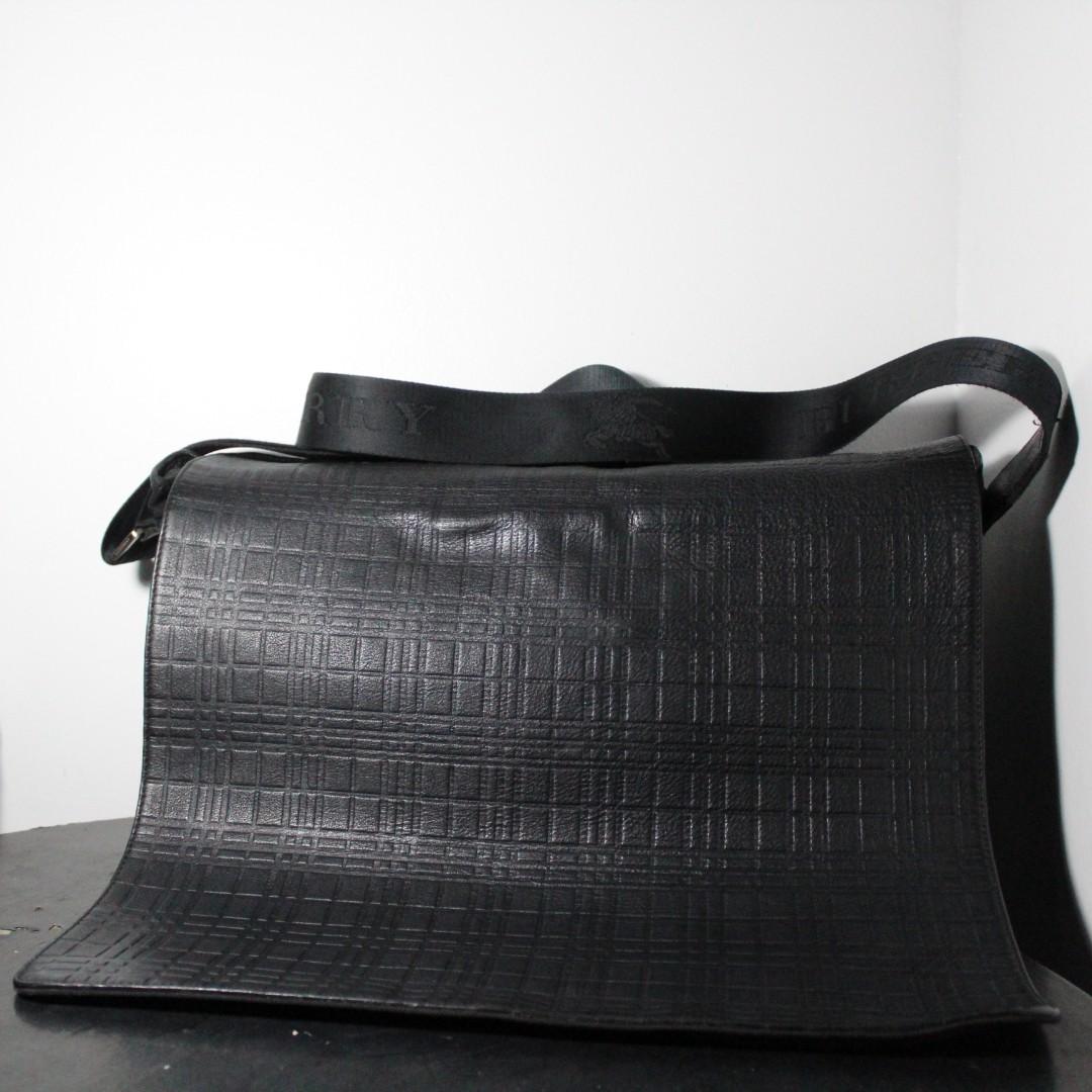 976fd3cf2f Burberry Italy Messenger s Bag
