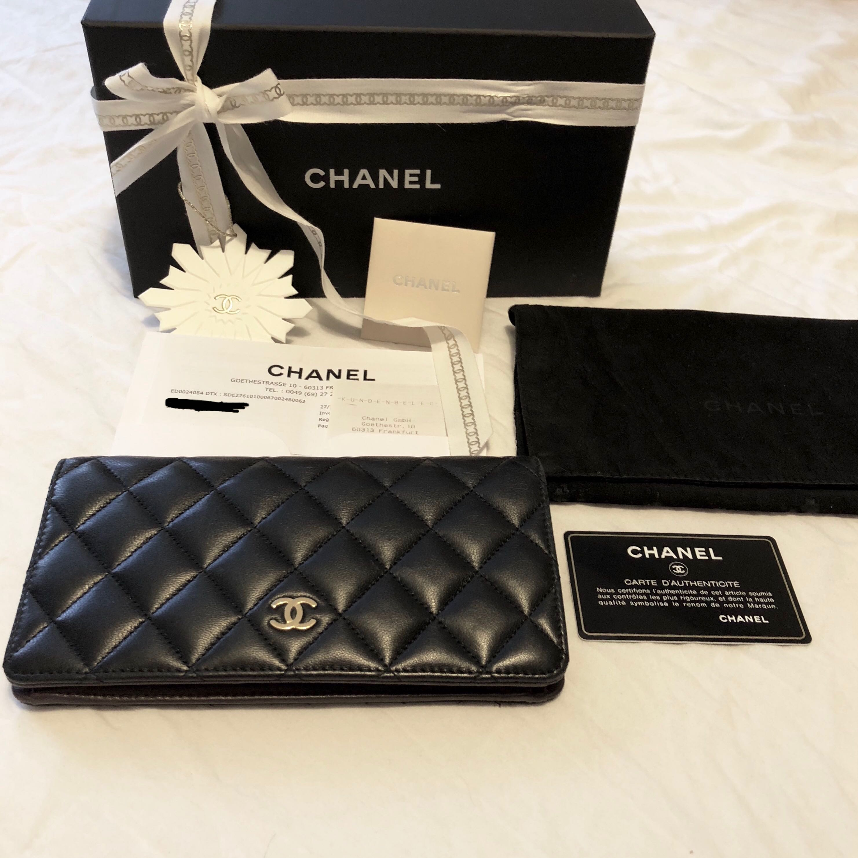 80b4e2ec3262 Chanel Black L Yen Wallet, Luxury, Bags & Wallets, Wallets on Carousell