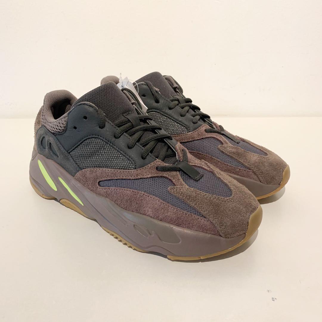 610d3ca0 DS Adidas x Yeezy 700 Mauve US8.5, Men's Fashion, Footwear, Sneakers ...