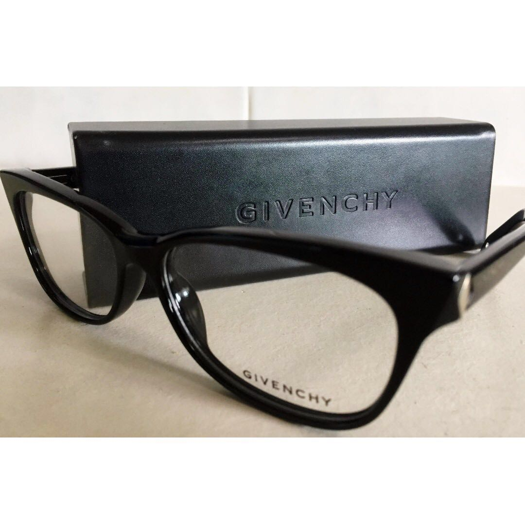 10b6f7bdd8 Givenchy Glasses (Authentic