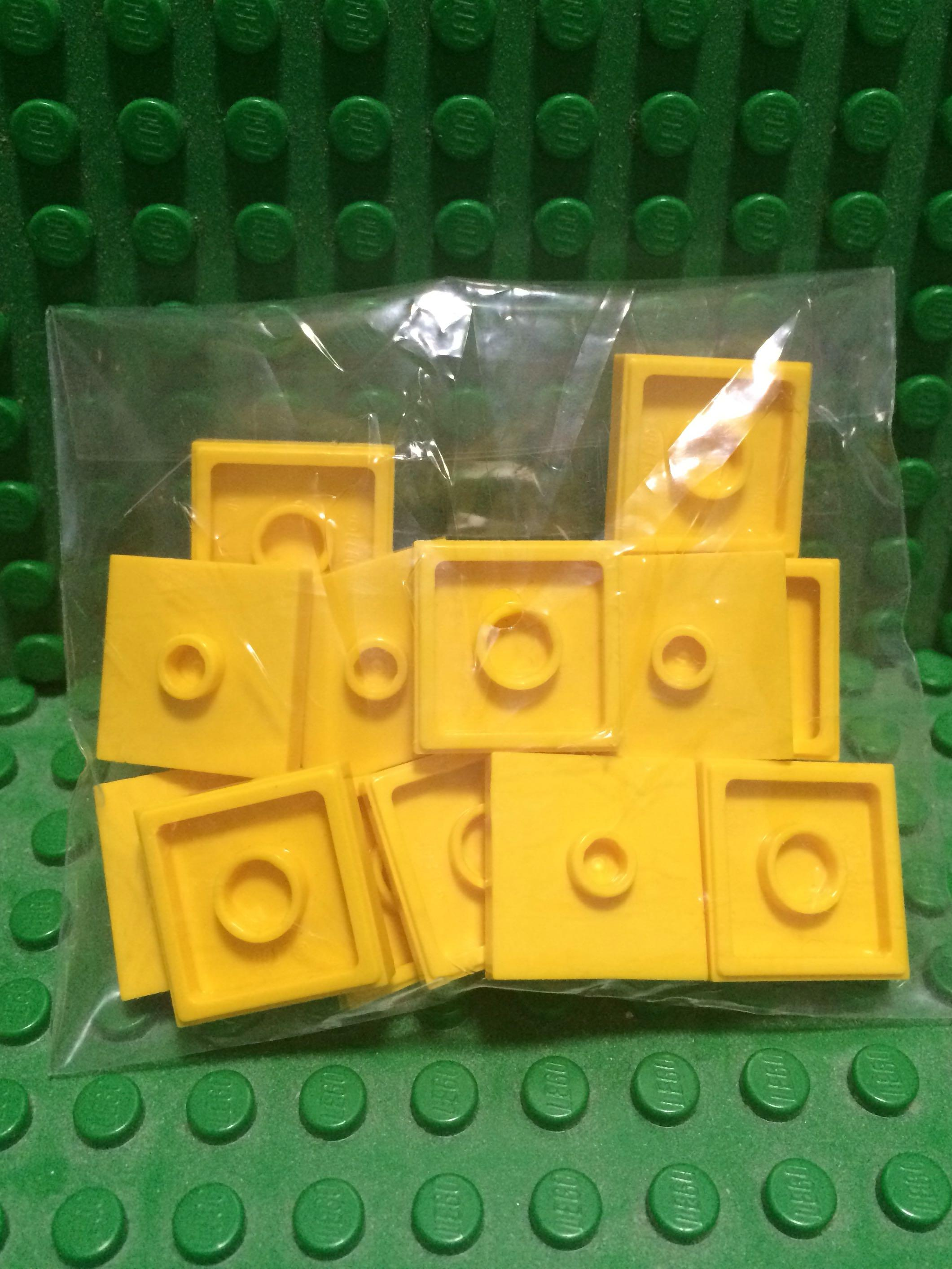 New LEGO Lot of 12 Yellow 2x2 Basic Building Brick Pieces