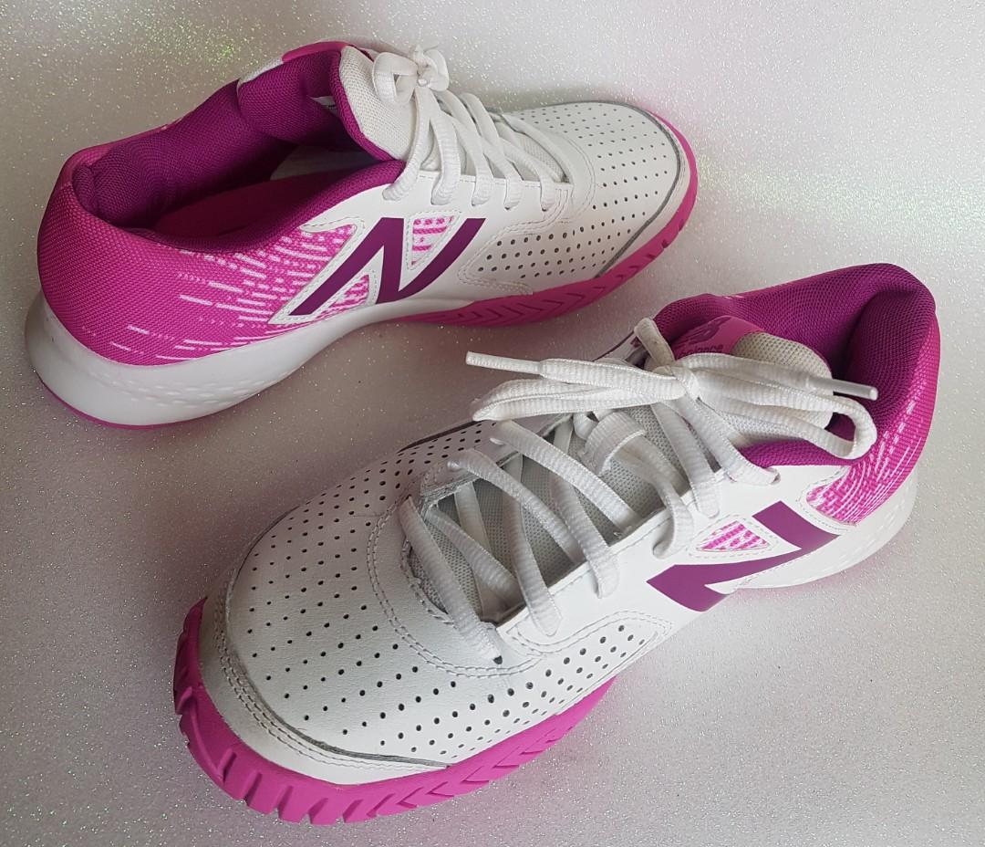 New Balance 696 womens tennis shoes Size 6.5 US (new never worn)