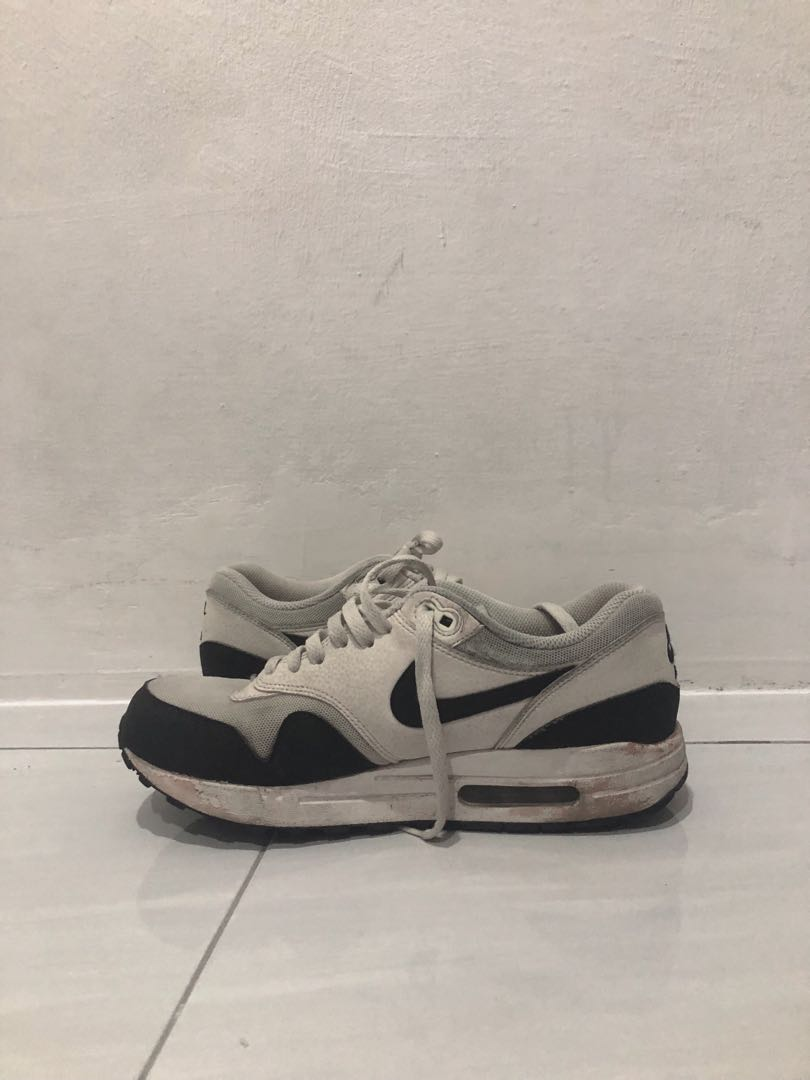 another chance 01a8e 5edfb Nike airmax 1 essential, Men s Fashion, Footwear, Sneakers on Carousell