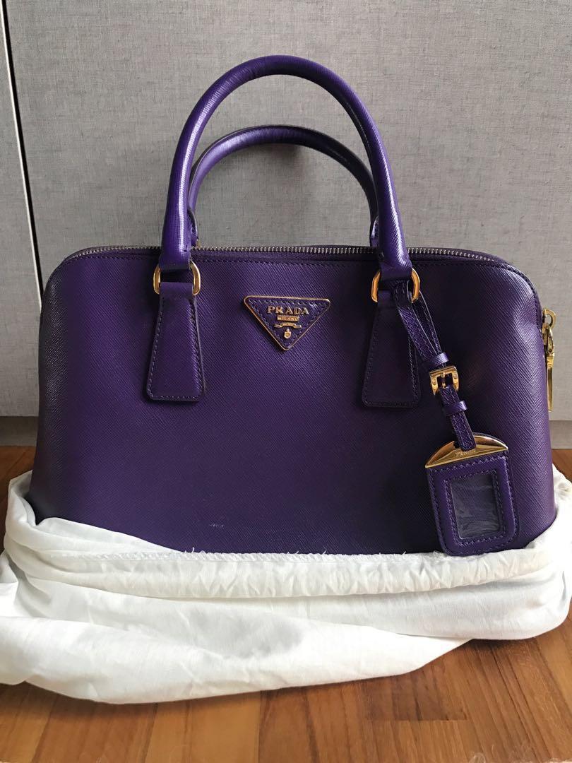 32e00e73925763 Prada Bag, Luxury, Bags & Wallets, Handbags on Carousell