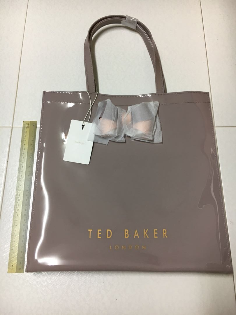 eb94af6f119 Ted Baker Tote Bag, Women's Fashion, Bags & Wallets, Handbags on Carousell