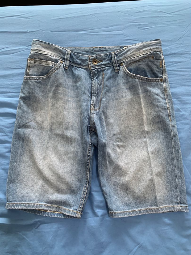 Tom Tailor Denim Shorts, Women s Fashion, Clothes, Pants, Jeans   Shorts on  Carousell 9c8d706ee2