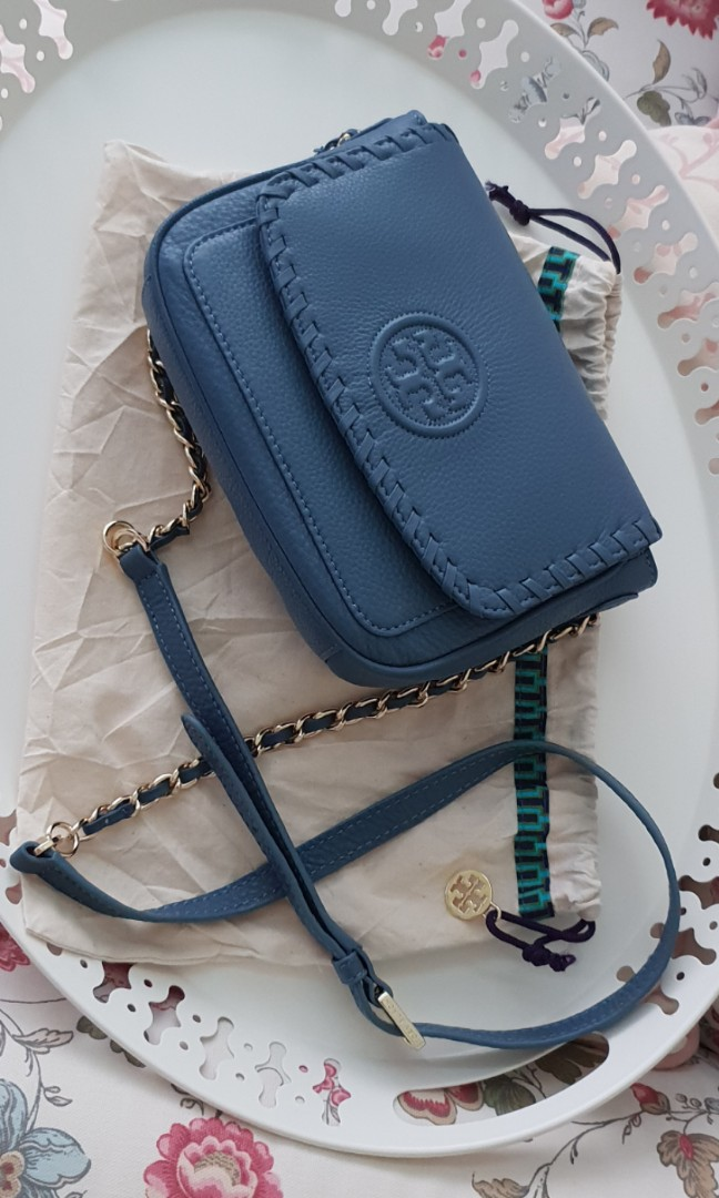 61659097ec0 Tory Burch Marion Mini crossbody sling Bag. Brand new with tag and ...