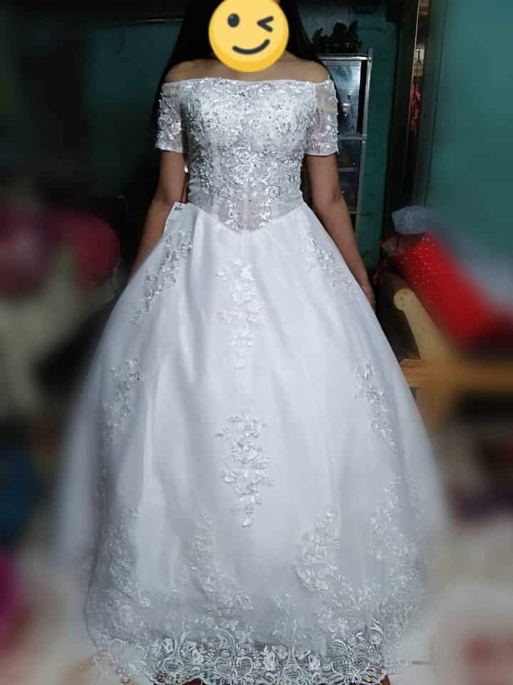 Very Affordable Wedding Gown With Peticoat Veil Gloves Women S