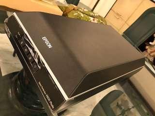 Epson V600 Scanner (Almost New)