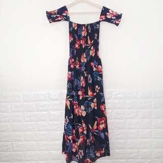 🔥買一送一🔥全新,平口露肩 度假風層次花苞洋裝