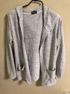 💁🏻♀️ Grey Cardigan