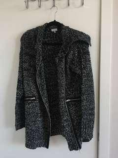 B&w knitted coat size small