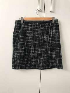 Black skirt w leather trim