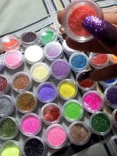 Extreme Glitter Manicures!