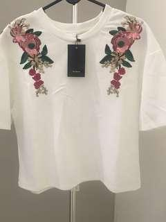 🆕Flower Embroidery White Crop Top