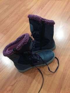 Sepatu boots winter anak size 32