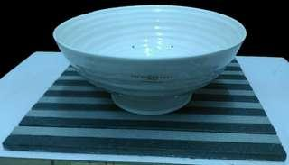 """Sophie Conran White Portmeirion 9""""  Footed Drainer"""