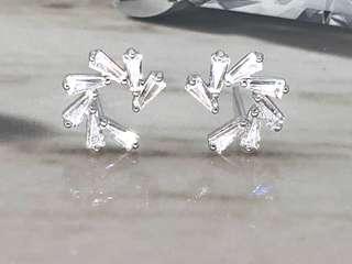 Taper CZ Ear Studs in Silver 925