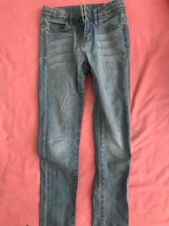 Uniqlo jeans size 120 (height 115-125cm)