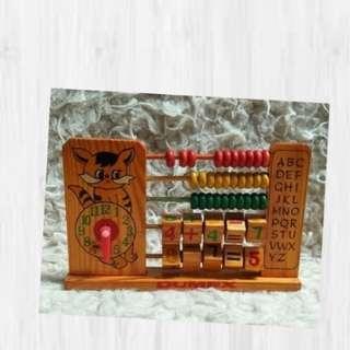 Mainan kayu Matematika