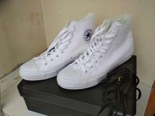 Sepatu Converse Chuck Taylor Sneaker