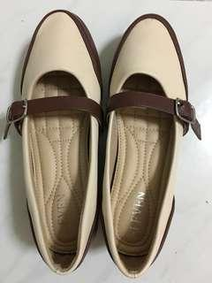 comfort flat shoe
