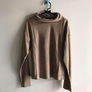 Brown turtleneck by uniqlo