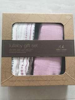 Aden & Anais lullaby gift set