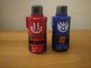 Kamen Rider Build Rabbit and Dragon Evol Bottles