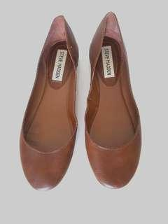 Steve Madden Tan Leather Flats