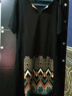 Dres hitam motif batik