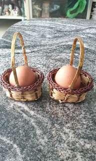 Vintage wedding souvenir mini basket
