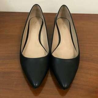Aldo Flat Shoes Sz 37