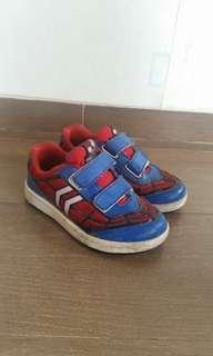 Sepatu anak karakter spiderman