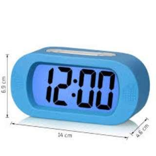 (J41) Zhpuat Digital Alarm Clock