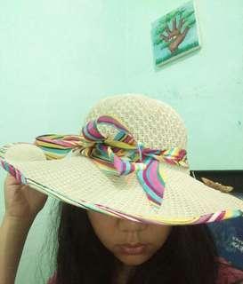 BEACH HAT / ROUND HAT / TOPI PANTAI