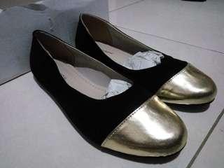 Flat Shoes Black-Gold NEW