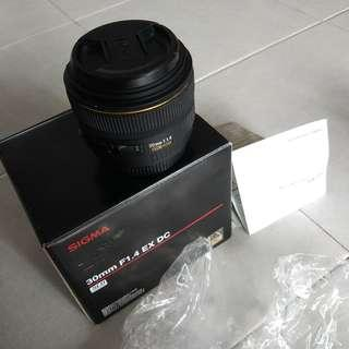 Sigma 30mm F1.4 EX DC HSM Canon mount