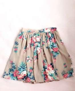 🚚 Pink flower skirt