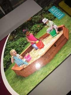 Plum treasure sandpit + cover