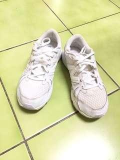🚚 白球鞋
