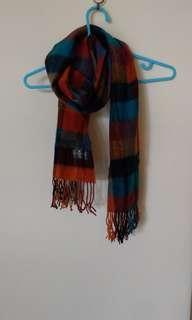 不起毛球/橘咖藍配色格紋圍巾