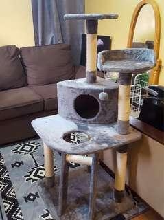 SALE! Cat condo/Cat house