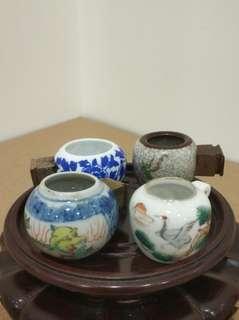 青花 粉彩 哥釉 雀杯 鳥食罐 共4隻 (不含底座)
