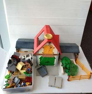 Playmobil 4490 animal fram house swt