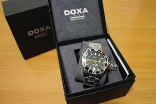 全新 DOXA 瑞士腕錶 Ceramica SHARK 300 D127SBY  DOXA Shark Watch Swiss Watch