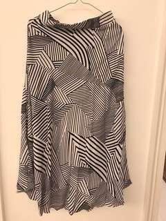 全新 幾何圖形長裙 Korean long skirt (brand new)