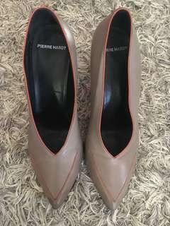 Pierre Hardy High Cut Tipped Pointy Pumps
